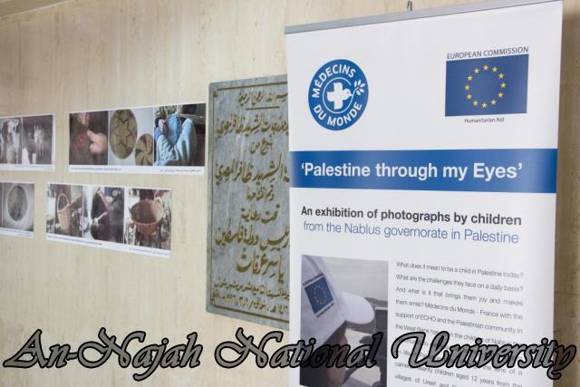 إفتتاح معرض صور في الجامعة بعنوان فلسطين كما تراها عيوني 15.10.2012 1