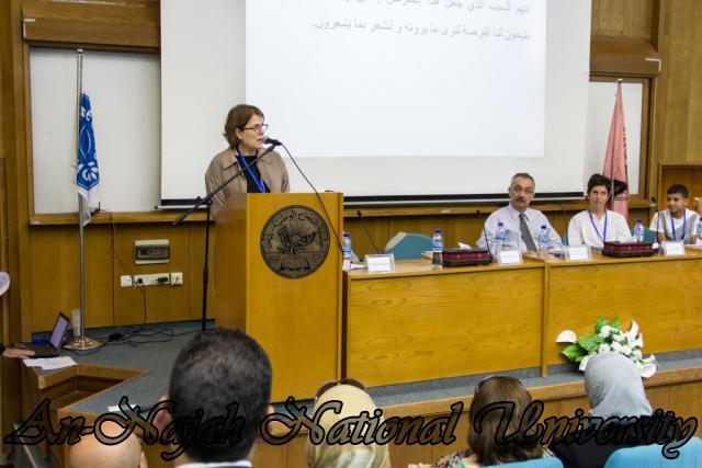 إفتتاح معرض صور في الجامعة بعنوان فلسطين كما تراها عيوني 15.10.2012 13
