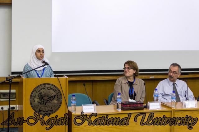 إفتتاح معرض صور في الجامعة بعنوان فلسطين كما تراها عيوني 15.10.2012 18