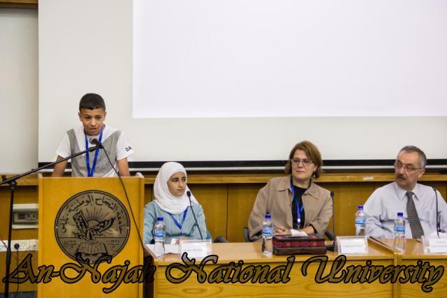 إفتتاح معرض صور في الجامعة بعنوان فلسطين كما تراها عيوني 15.10.2012 21