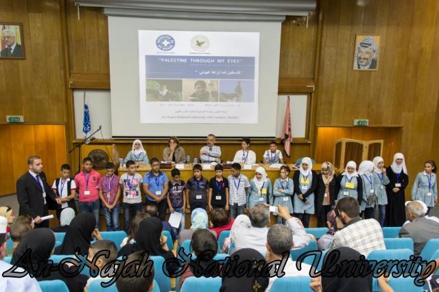 إفتتاح معرض صور في الجامعة بعنوان فلسطين كما تراها عيوني 15.10.2012 22