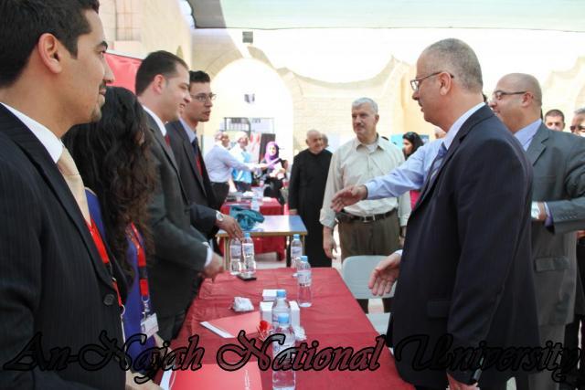 الجامعة تقيم فعاليات يوم النجاح التوظيفي برعاية حصرية من البنك العربي 24.09.2012 23