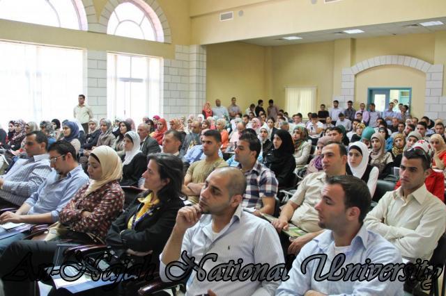 الجامعة تقيم فعاليات يوم النجاح التوظيفي برعاية حصرية من البنك العربي 24.09.2012 8