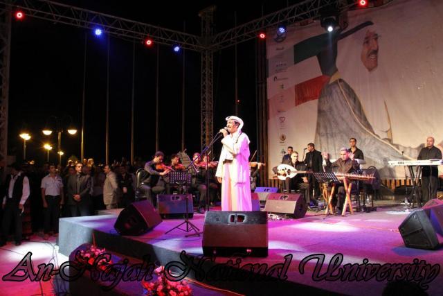 الفنان الكويتي الكبير عبد الله الرويشد يحي حفلة غنائية في جامعة النجاح الوطنية 13
