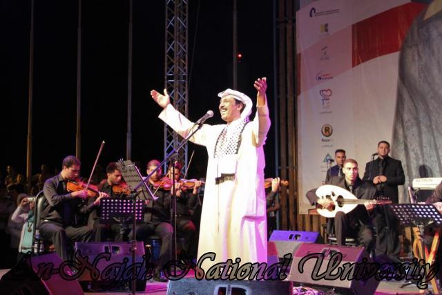 الفنان الكويتي الكبير عبد الله الرويشد يحي حفلة غنائية في جامعة النجاح الوطنية 14