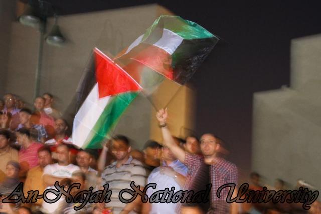 الفنان الكويتي الكبير عبد الله الرويشد يحي حفلة غنائية في جامعة النجاح الوطنية 3