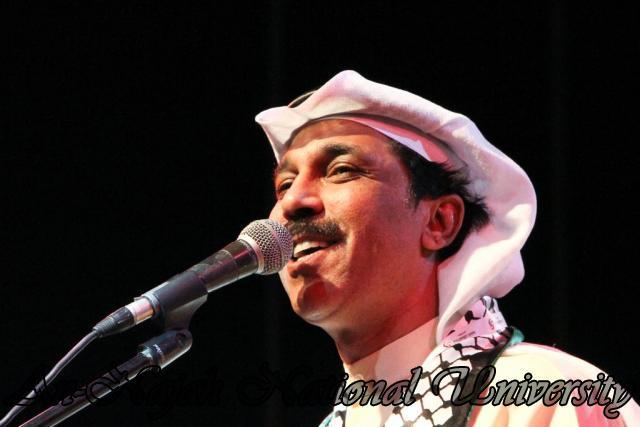 الفنان الكويتي الكبير عبد الله الرويشد يحي حفلة غنائية في جامعة النجاح الوطنية 32