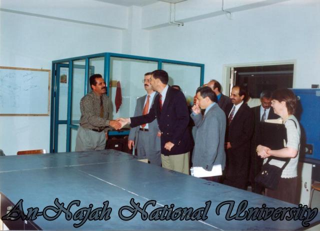 زيارة السفير القنصل الامريكي للجامعة
