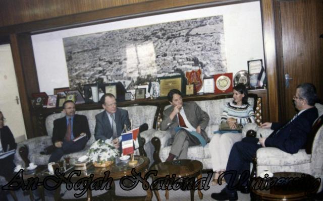 زيارة القنصل الفرنسي الان ريمي