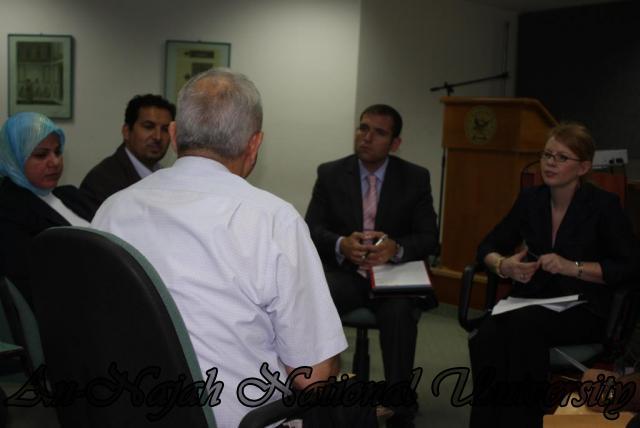 زيارة الملحق الاعلامي في القنصلية الامريكية العامة لكلية ومركز الاعلام في الجامعة