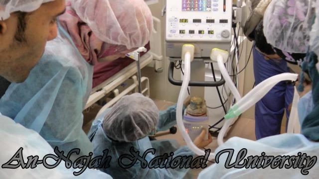 طلبة من قسم التمريض في الجامعة يزورون مستشفى رفيديا في نابلس 12