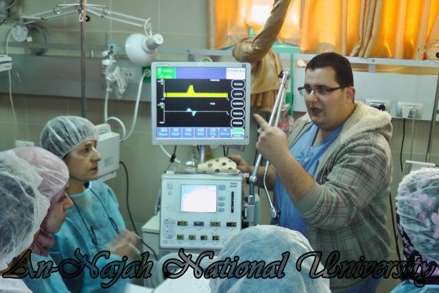 طلبة من قسم التمريض في الجامعة يزورون مستشفى رفيديا في نابلس 13