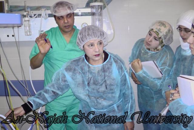 طلبة من قسم التمريض في الجامعة يزورون مستشفى رفيديا في نابلس 2