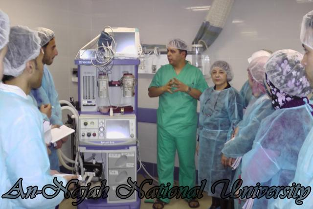 طلبة من قسم التمريض في الجامعة يزورون مستشفى رفيديا في نابلس 3