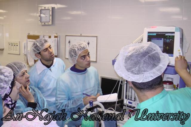 طلبة من قسم التمريض في الجامعة يزورون مستشفى رفيديا في نابلس 6