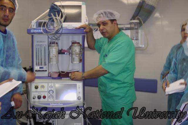 طلبة من قسم التمريض في الجامعة يزورون مستشفى رفيديا في نابلس