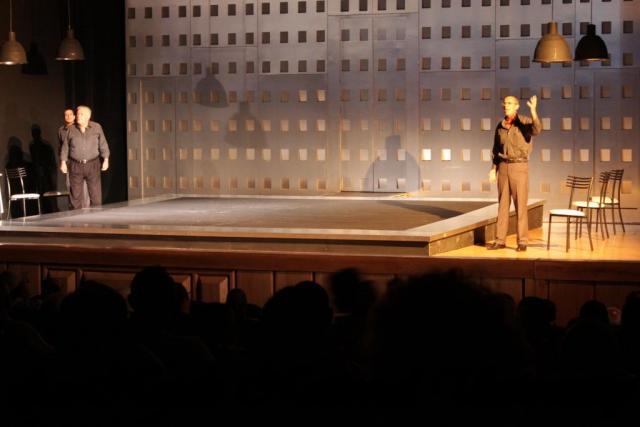 عرض مسرحية انتجونا سوفوقليس 2