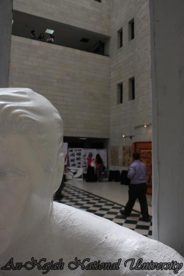 معرض كلية الفنون