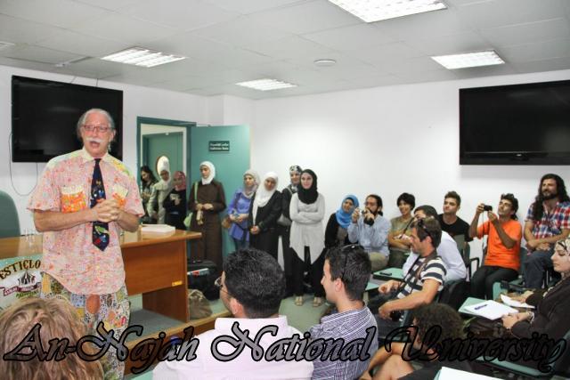 04.09.2011, محاضرة الدكتور Patch Adams مختر اسلوب العلاج بالضحك