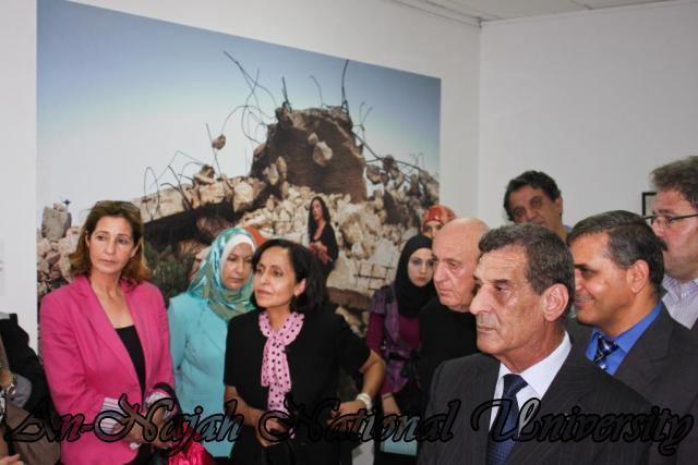 04.09.2012 معرض داخل الاطار، خارج الاطار 10