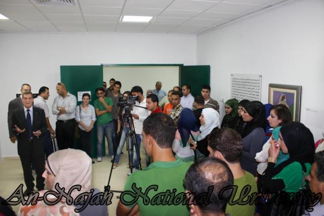 04.09.2012 معرض داخل الاطار، خارج الاطار 5
