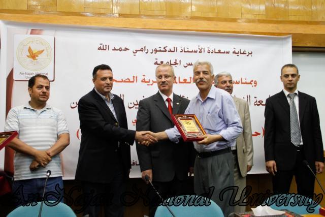 10.05.2012 حفل تكريم الصحفيين الفلسطينيين بمناسبة اليوم العالمي لحرية الصحافة 61