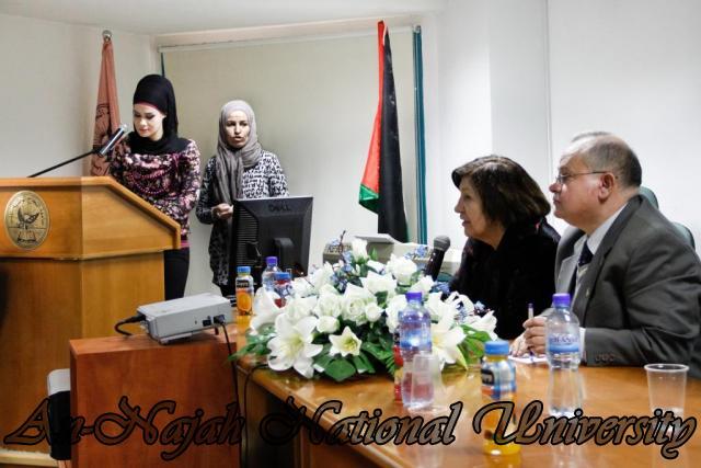 15.02.2012  حفل تخريج طلبة دورة الكتابة الابداعية 13