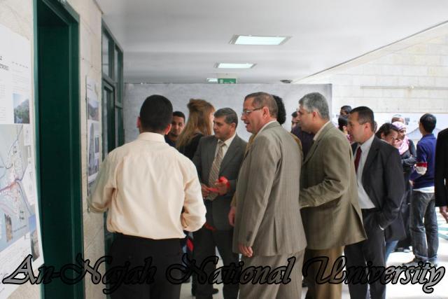 24.04.2012 معرض آفاق وتطلعات حول مدينة نابلس 8