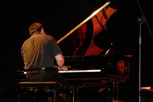 28.06.2012 عرض غنائي لفرقة الجاز الروسية 17