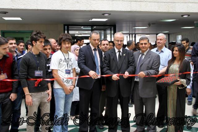 30.10.2011 افتتاح معرض صور   فلسطين بعيوننا 2